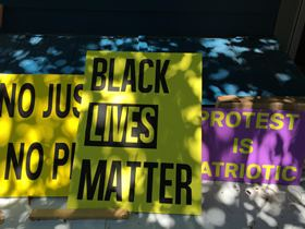 blm-signs-for-efa
